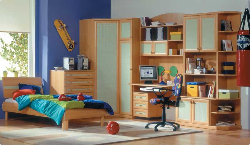 Как правильно обустроить комнату школьника? фото