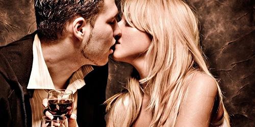 К чему снится целоваться с незнакомой девушкой? - фото
