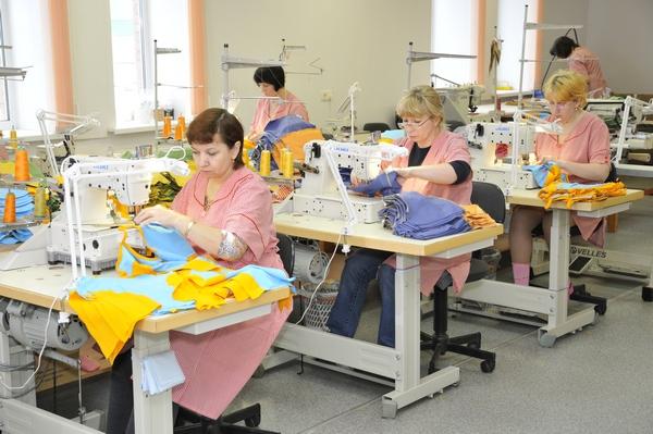 Как открыть свой бизнес по пошиву детской одежды? - фото