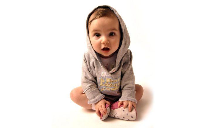 К чему снится маленький ребенок? - фото