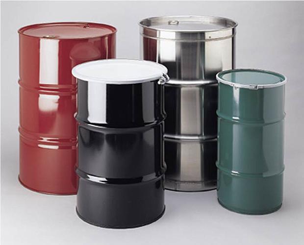 Какую бочку выбрать: пластиковую или металлическую? фото