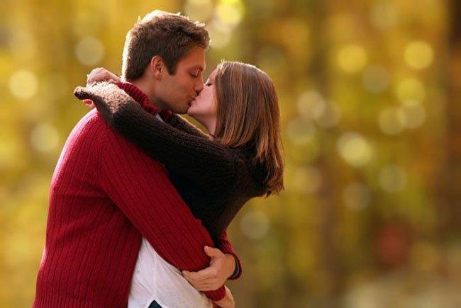 К чему снится целоваться с бывшим парнем? - фото