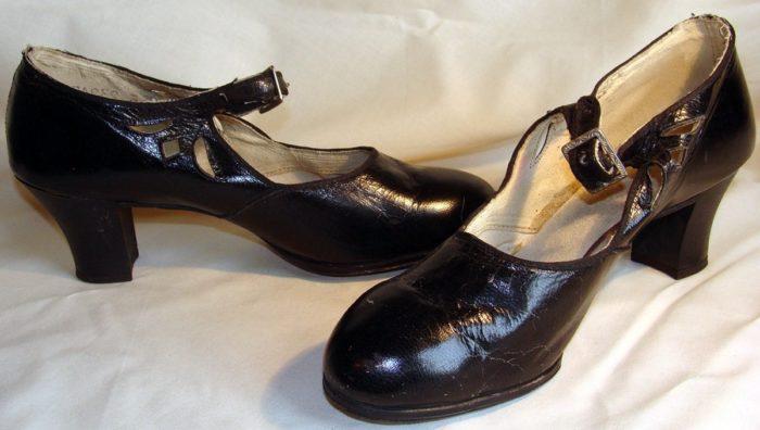 К чему снятся старые туфли? фото