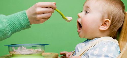 К чему снится кормить чужого ребенка? фото