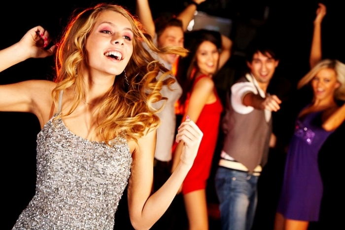 Как привлечь девушку в клубе? фото