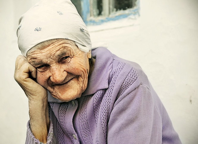 К чему снится старая женщина? фото