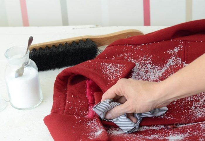 Как почистить пальто в домашних условиях? фото