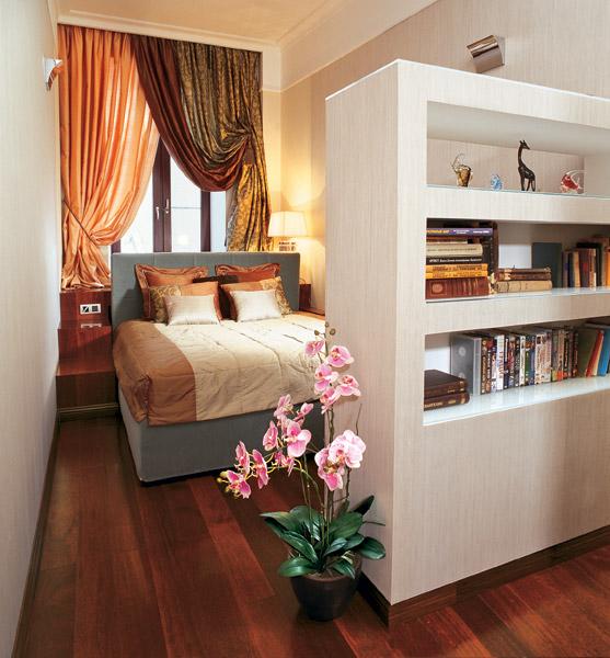 Как разделить узкую комнату? - фото