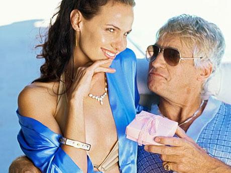 Почему престарелые мужья уходят к молодым любовницам? фото