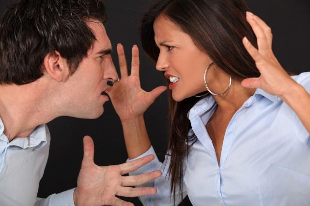 Почему муж стал агрессивным? фото
