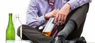 Почему муж начал пить?
