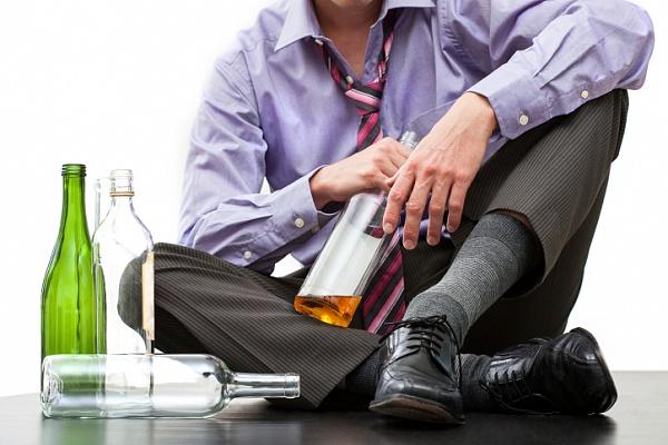 Почему муж начал пить? фото