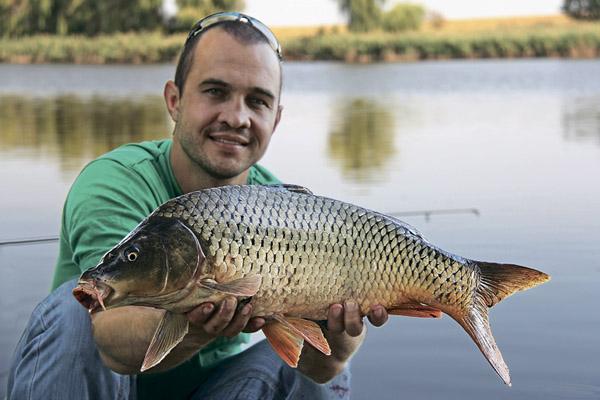 Чем отличается платная рыбалка от бесплатной? фото