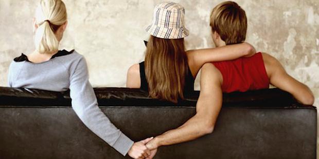 Почему муж изменяет с бывшей женой? фото