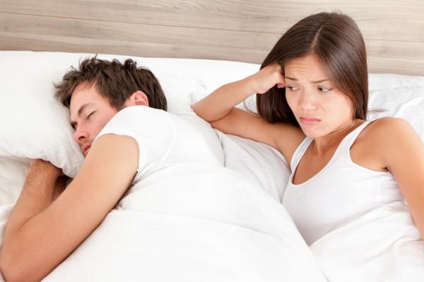 Почему муж постоянно хочет спать? (9 Причин). фото