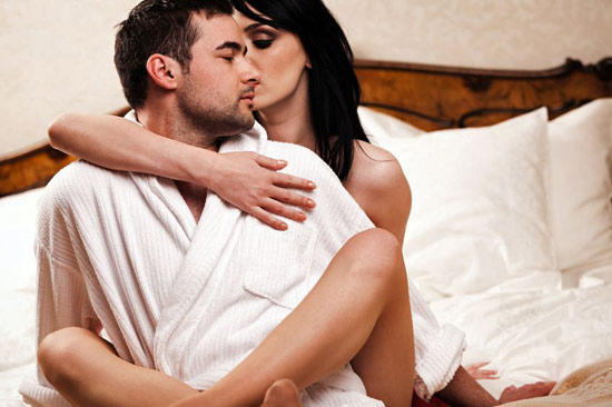 Почему муж стесняется своей наготы перед женой? фото