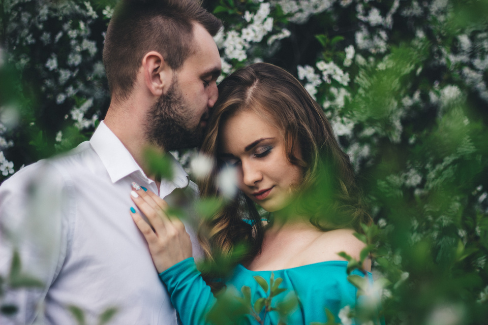 Почему муж звонит бывшей любовнице? - фото