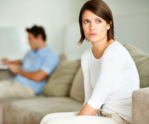 Почему бывший муж избегает встреч? фото