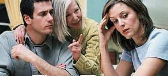 Почему муж слушает маму, а не жену? фото
