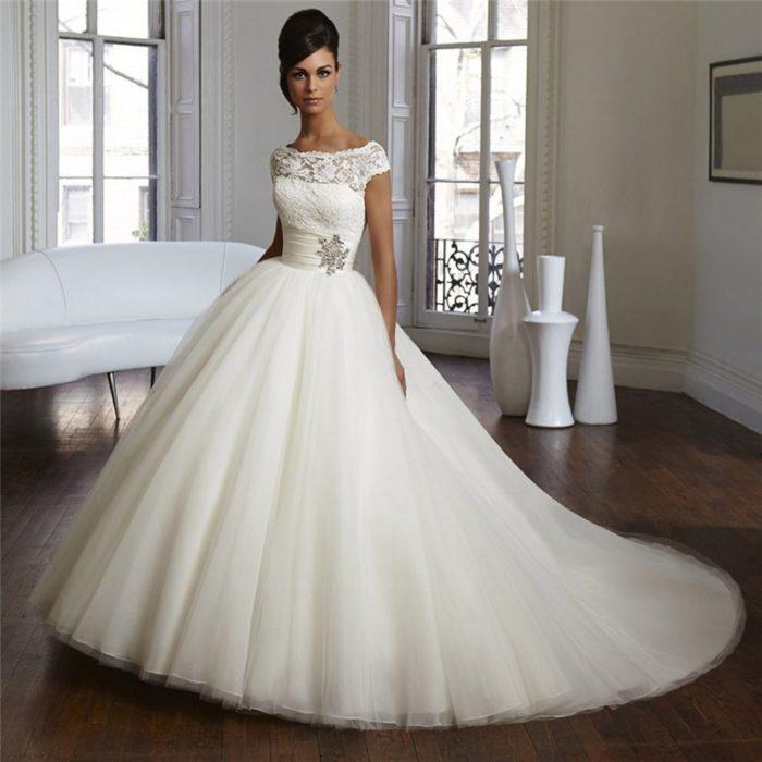 Как выбрать цвет свадебного платья? - фото
