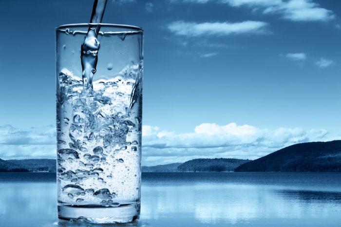 Почему надо пить больше воды? фото