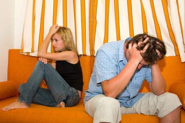 Почему муж всегда делает жену виноватой? Как с этим бороться? - фото