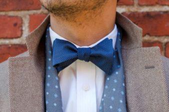 С чем носить и как подбирать галстук-бабочку? - фото