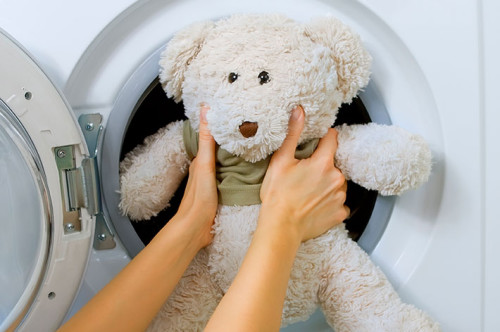 Можно ли стирать игрушки в стиральной машине? фото