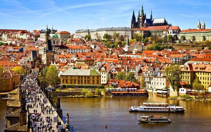 Как оформить визу в Чехию самостоятельно? - фото