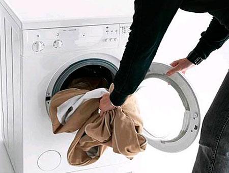 Можно ли стирать брюки в стиральной машине? фото