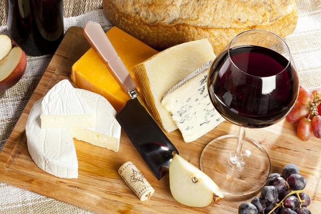 Как и с чем пить вино? фото