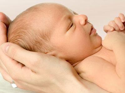 Маленький родничок у новорожденного, что делать? фото