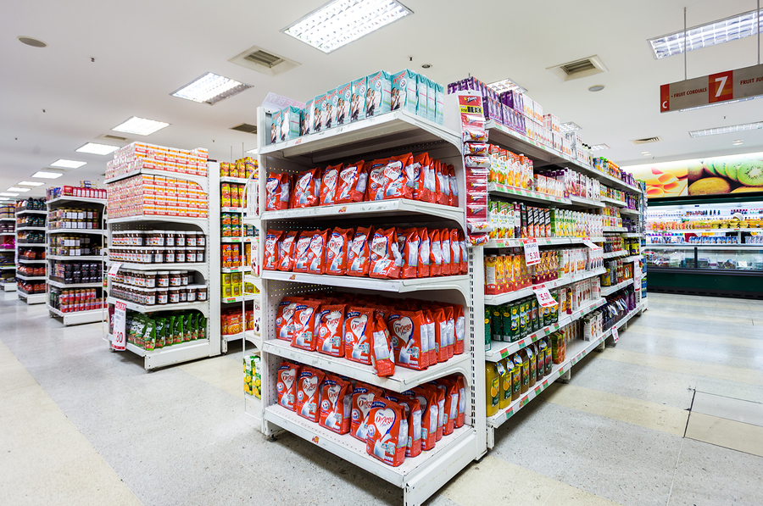 Как выбрать торговые стеллажи для магазина? фото