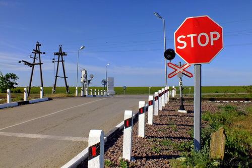 Какие бывают виды железнодорожных переездов? фото