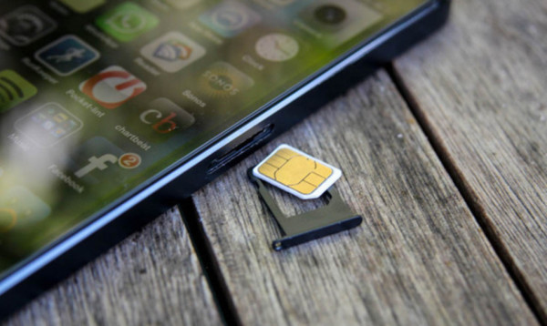 Почему iPhone 7 не видит сим-карту? - фото