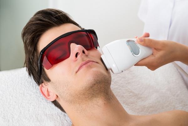 В чем преимущества лазерной эпиляции для мужчин? фото