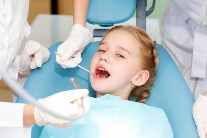 Можно ли удалять молочные зубы? фото
