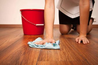 Как отмыть пол после ремонта? фото