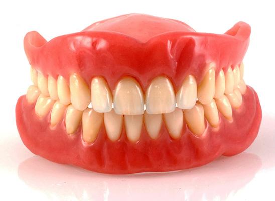 Когда применяют съемное протезирование зубов? фото