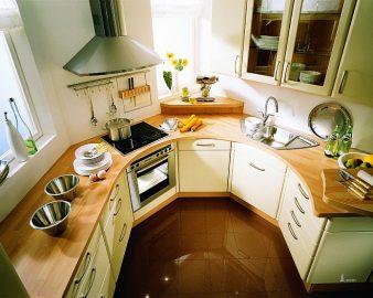 Как визуально увеличить пространство маленькой кухни? фото