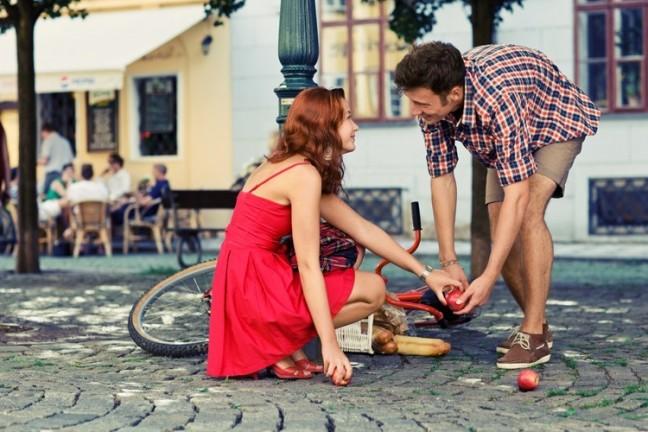 Как познакомиться с парнем на улице? фото