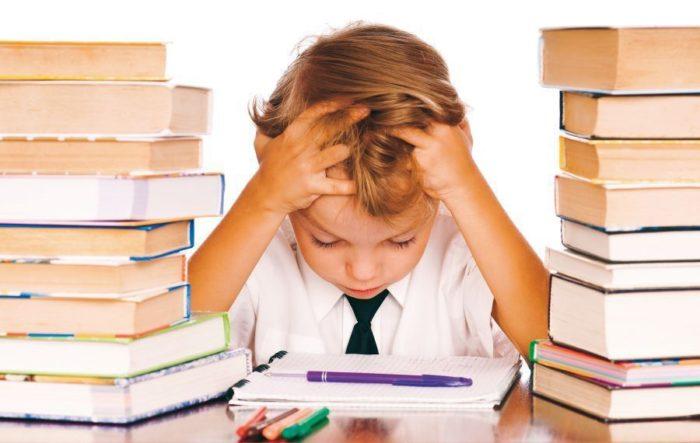 Как научить ребенка самостоятельно делать уроки? фото