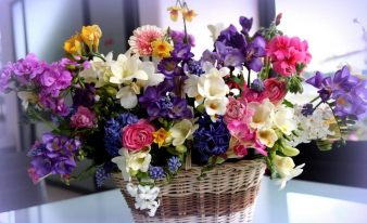 Как продлить жизнь цветам в вазе? фото