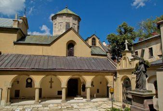 Почему стоит поехать во Львов? фото