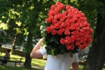 Какие цветы подарить девушке? фото