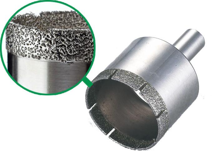 В чем преимущества алмазных коронок по бетону? фото