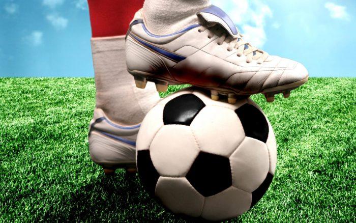 Чем полезна игра в футбол? фото