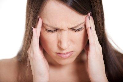Как лечить мигрень в домашних условиях? фото