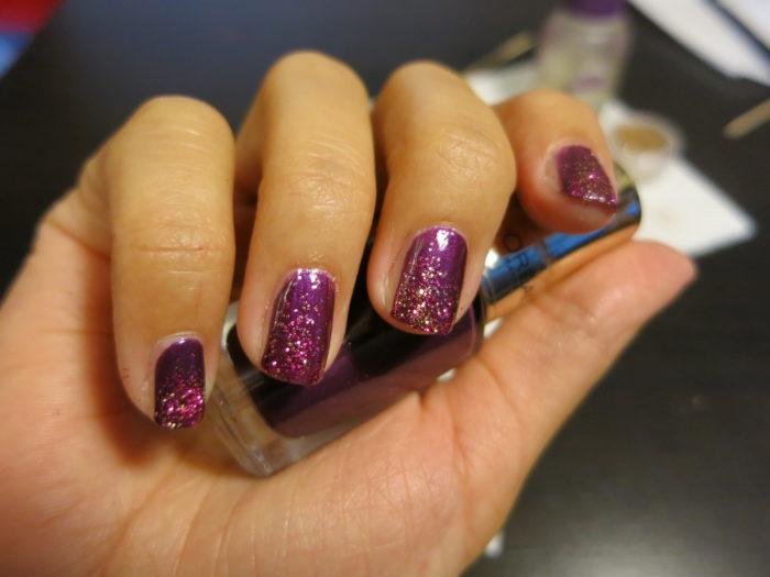 Маникюр с блестками фиолетовый