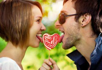 happy-couple-624x428